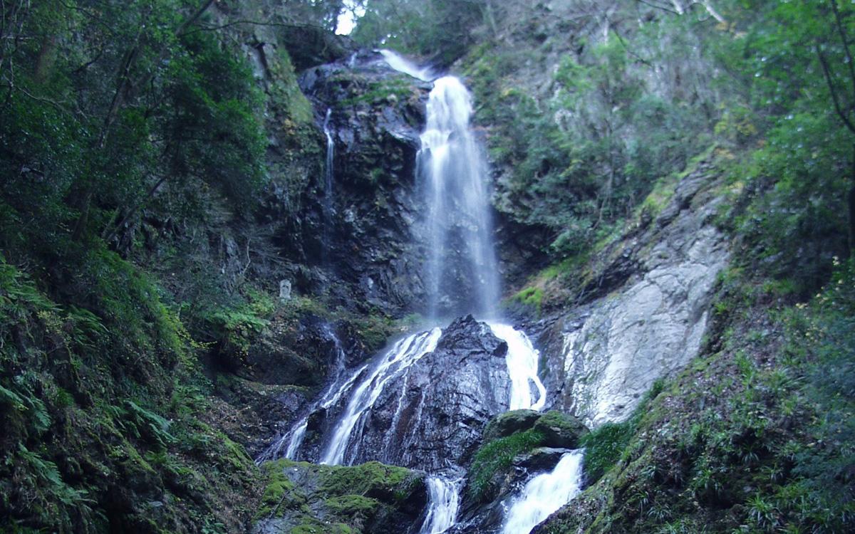 神山町 神山町 日本の滝100選 雨乞の滝 . 徳島市周辺の観光情報・イベント